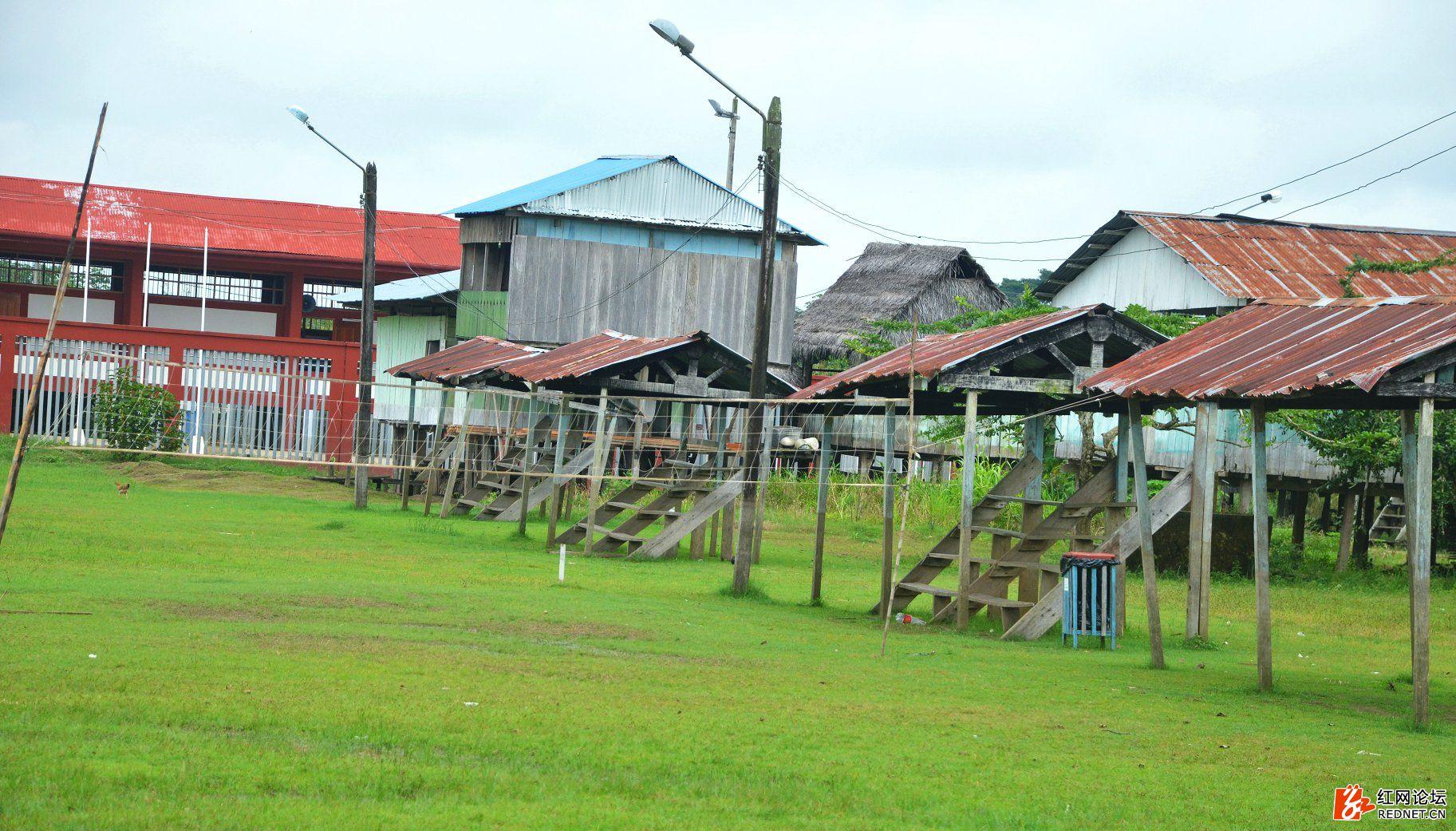 3伊基托斯亚马逊河564.JPG
